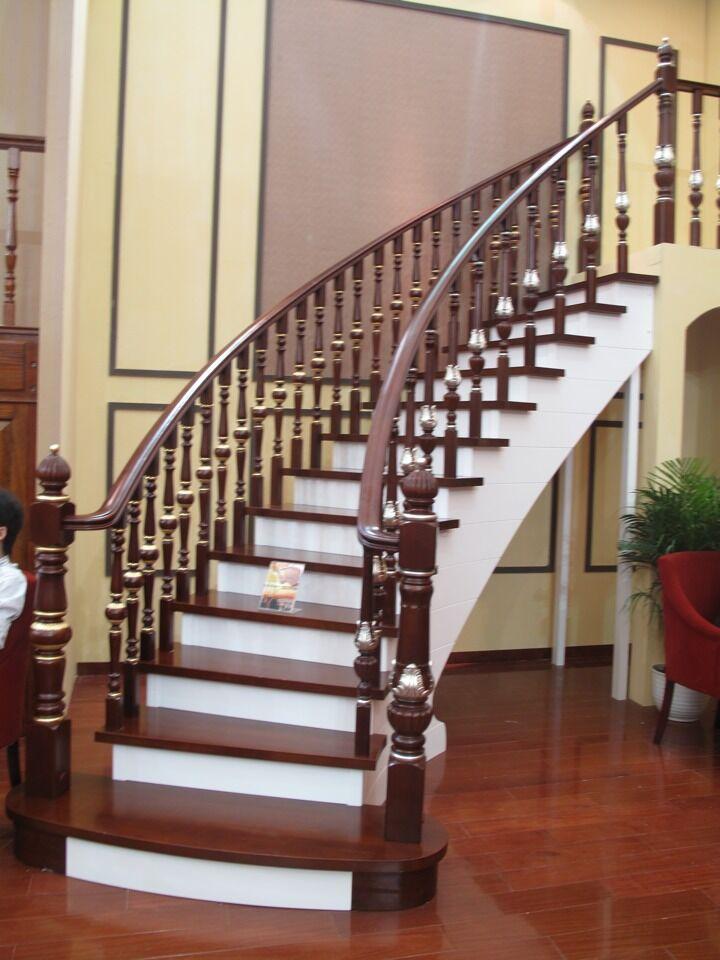 实木护墙板 楼梯